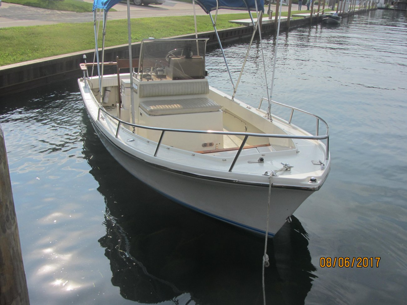 deck rail wiring for sale 1988 17  shamrock center console fresh water  for sale 1988 17  shamrock center console fresh water