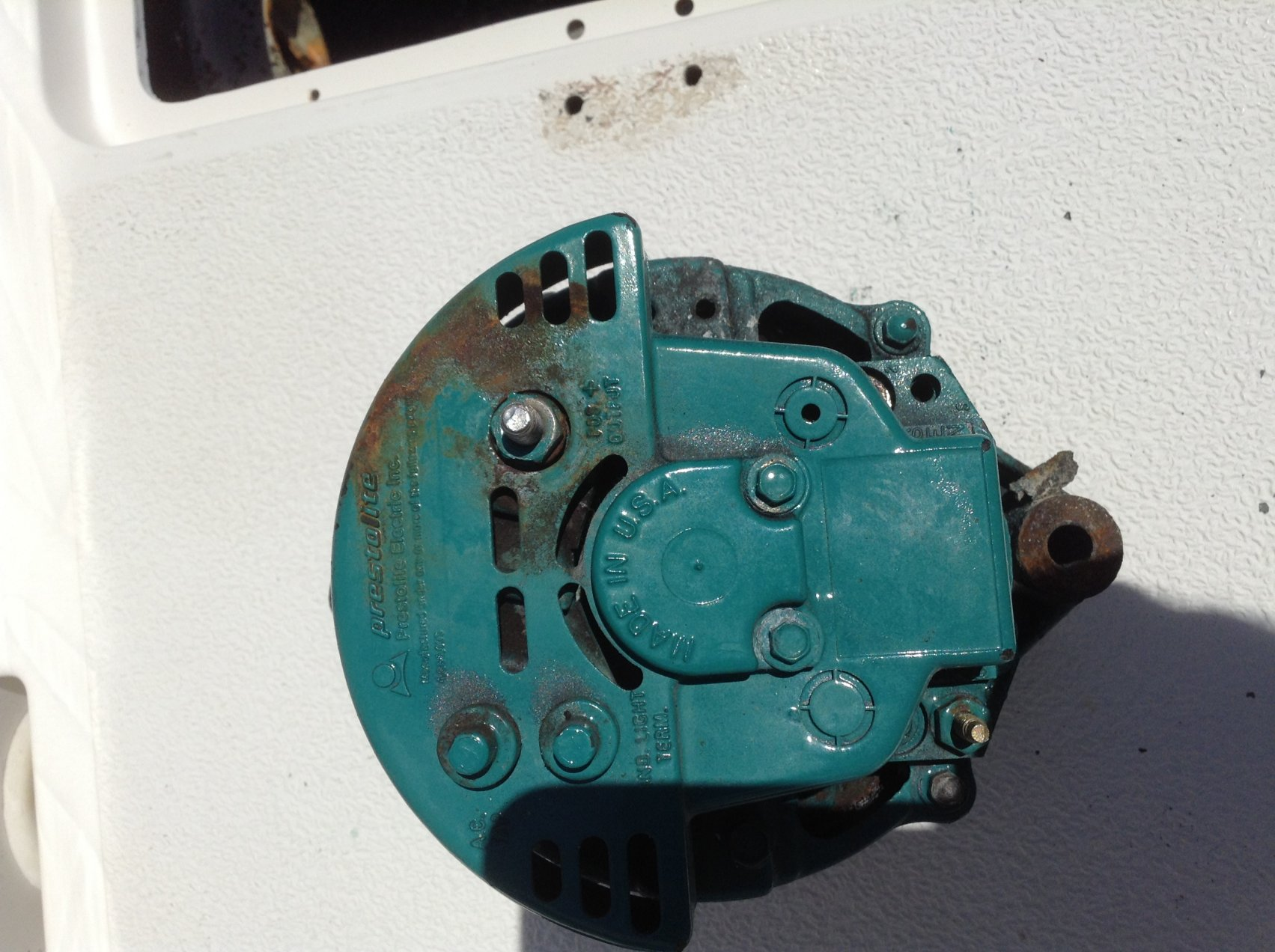 Replacing alternator | Shamrock Boat Owners\' Club